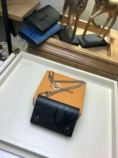 Louis Vuitton M63518 Rivet Chain