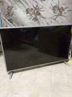 "LG 42"" LED SMART TV *READ DESCRIPTION*"