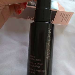 New✔️MaryKay Finishing Spray