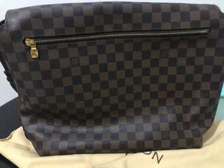 Louis Vuitton Damier Brooklyn Messenger Bag