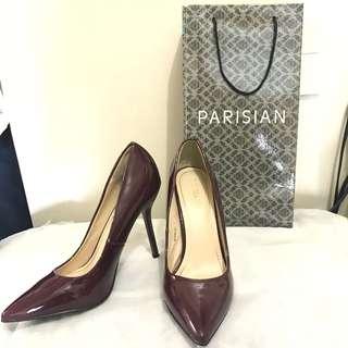 Parisian pumps