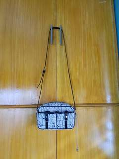 Sale!!!!!!!Authentic Pinky&dianne sling bag