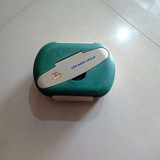 Eon Bank lunch box