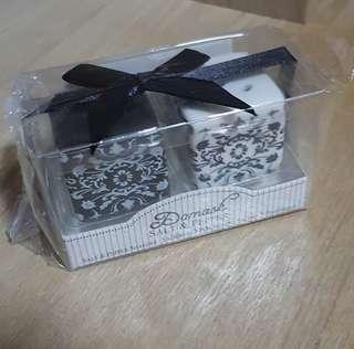 Black n White Damask Ceramic Salt n Pepper Shakers