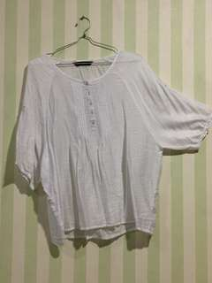 Simplicity white blouse oversized