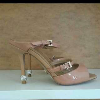 New.. Heels Rotelli