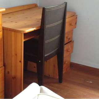 Desk free to student in need
