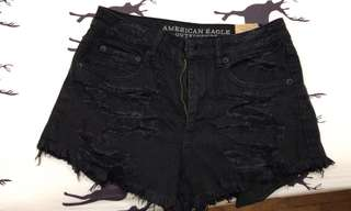 ❤️ american eagle black ripped denim shorts!!
