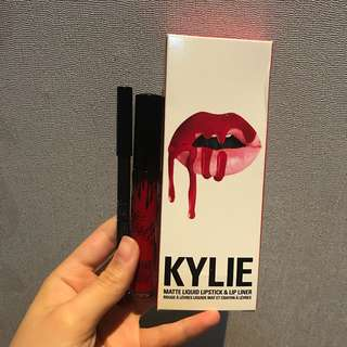 KYLIE Liquid Lipstick + Lip liner MARY JO