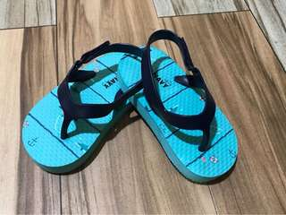 PRE-LOVED OLD NAVY SANDALS