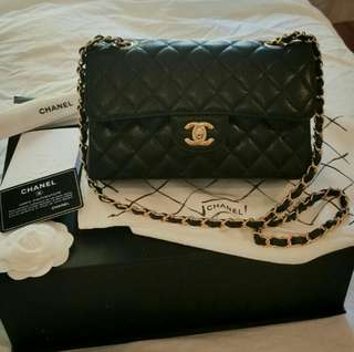 Chanel classic flap small caviar cf 23cm calfskin