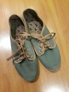 (SALE!!) Army Green Sneakers