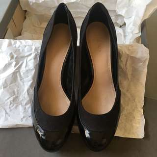 SALE!! Charles and Keith Pump Shoes