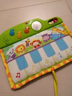 Musical soft piano toys