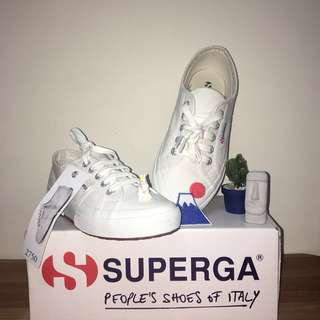 🚚 💙義大利🇮🇹品牌 superga 型號:2750 尺寸 女白鞋