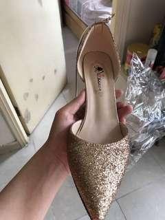 Dazzling high heel sandal 閃亮金色高跟涼鞋