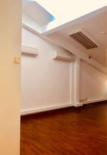 Office for Takeover shophouse 3rd floor for rent, cheapest rental in CBD $1300. 1 yr contract