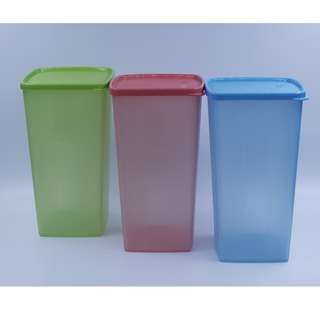 Tupperware Clearance - 2L square, tall container X3