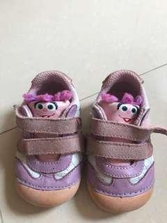 Sepatu anak perempuan Size: 19,5