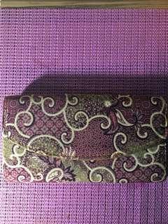 Dompet batik ungu