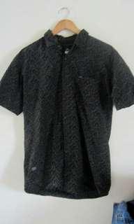 Kemeja batik rip curl