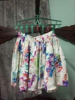 Skirt with side zipper