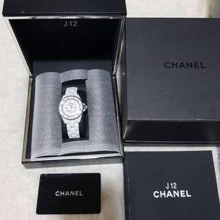 Used Chanel J12 WEISS  100% authentic