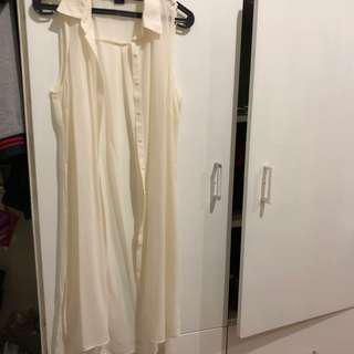 outer white sleeveless - pia mia wet and seal