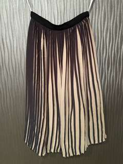 MDS Pleated Midi Skirt size XS