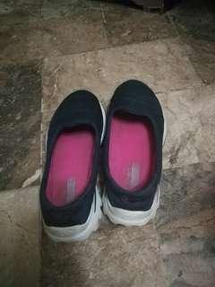 Original Sketchers go walk shoes