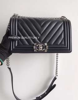 Chanel Boy Bag 25- black