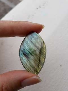 Polished tear shape labradorite