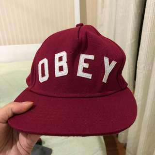 obey cap maroon topi