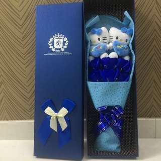 "Hello Kitty Flower Bouquet In Gift Box (2 Hello Kitty Plush with ""LOVE"" cushion + 5 Blue Roses)"