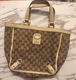 Gucci Bag real