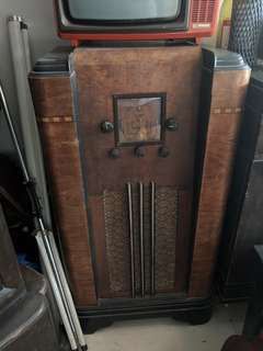 Vintage Colonial Wooden Radio for display