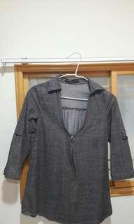 🚚 灰色七分袖上衣