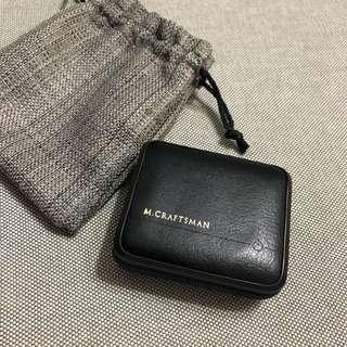 🚚 M.craftsman工匠牌皮革黑色行動電源。9000mAh。灰色防塵袋。收納。