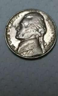 1960年美元美金5仙1個.加拿大幣1角1個.港元1分港幣1張,1975年澳門壹毫1個