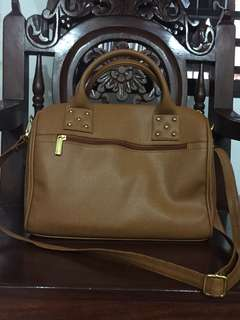 Doctor's Bag Mustard FREE SHIPPING (Repriced From P650 To P450)