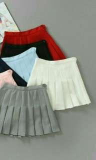 🚚 白色百褶裙