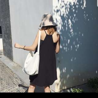 🚚 黑色短版連身洋裝