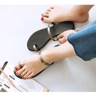 簡約套趾一字涼拖鞋:::::低跟平底涼鞋細帶漢娜妞Mercci22同款歐美羅馬鞋nude小安SIVIR闆娘AJPEACE