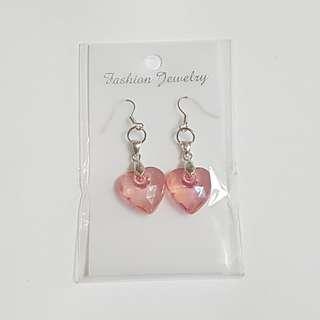 🚚 Pretty Heart Shaped Earrings
