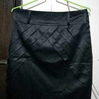 Preloved Black Pencil Cut Skirt/Office Skirt