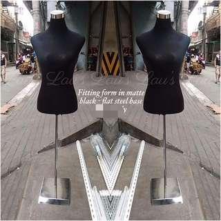 Mannequin fitting form in matte black