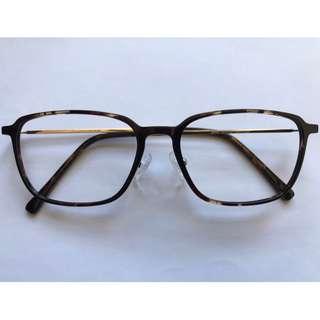 瑪瑙啡色超輕方形眼鏡(D19)