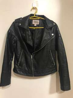 Forever 21 black leather jacket with FLAWS