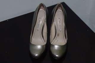 high heels Zara 37