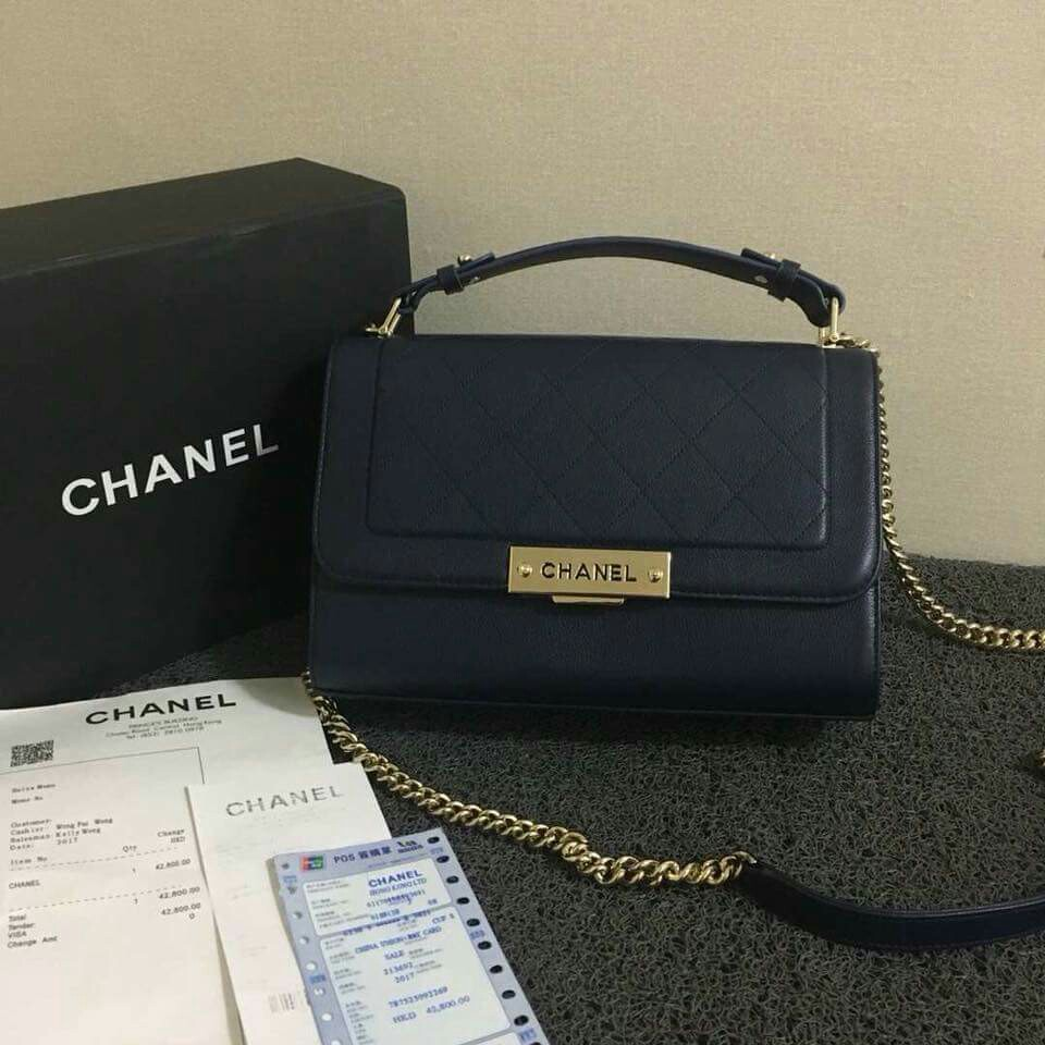048dcb56595b 28cm onhand Sale, Women's Fashion, Bags & Wallets on Carousell